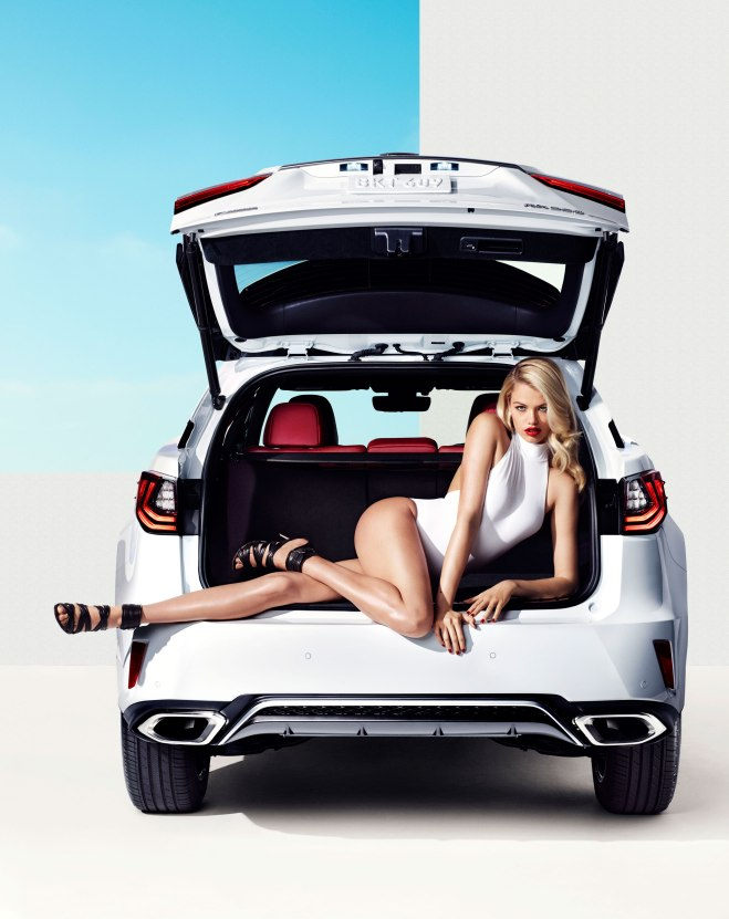2016-lexus-rx-stars-in-sports-illustrated-shoot-with-hailey-clauson-105233_1